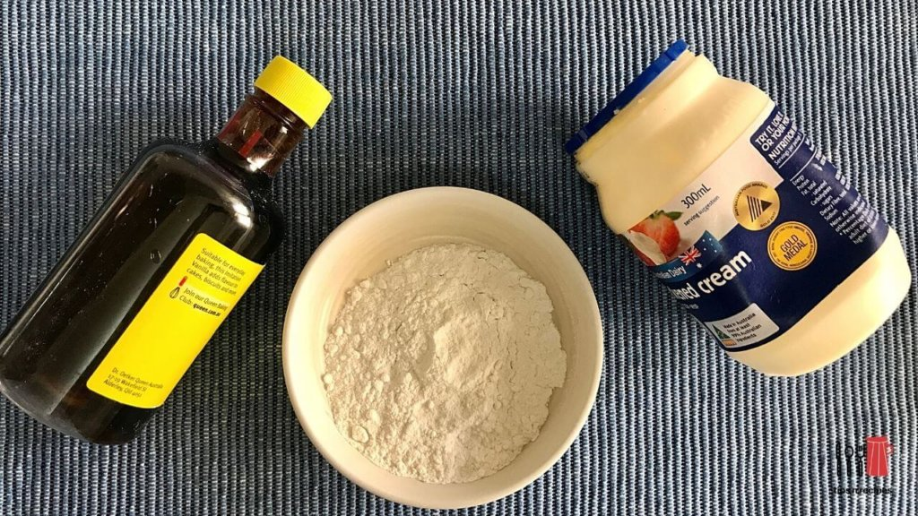 How to make whipped cream by hand